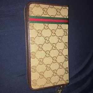 Authentic Gucci Wallet limited